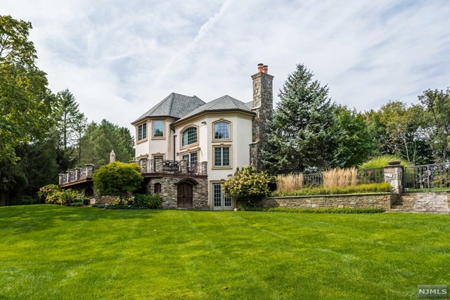 franklin lakes mature singles Reserve at franklin lakes - signature collection is an outstanding new home community in franklin lakes, nj that offers a variety of luxurious home designs in a great location.