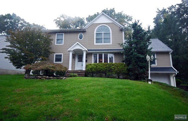 Single Family Home For Sale At 199 Spruce Street Midland Park Nj