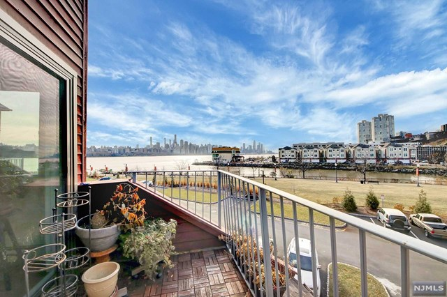 Condo For Sale At 13b Riverview Circle 13b North Bergen Nj
