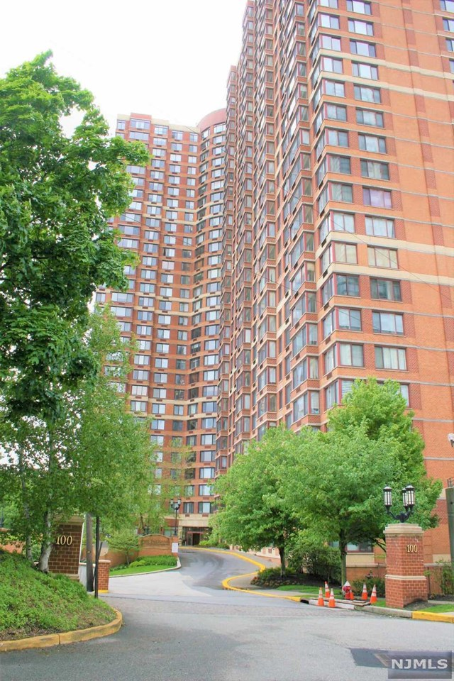 For Rent At 100 Old Palisade Road 2002 Fort Lee Nj
